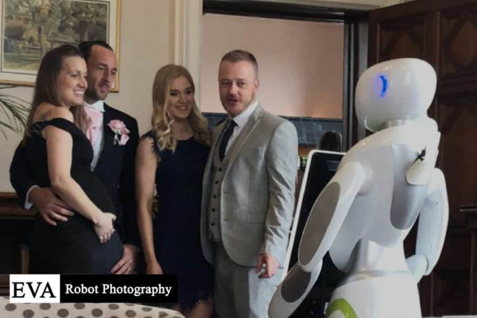 Gary-and-Megan-hired-a-Eva-The-Robot-Photography-robot-for-their-wedding