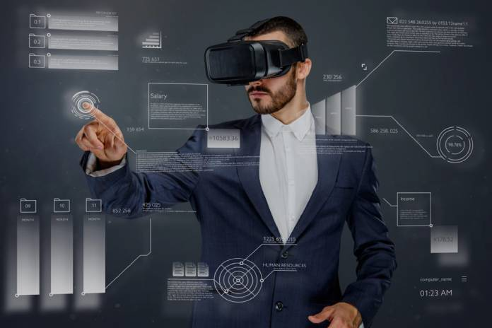 VIRTUAL-REALITY-AND-AUGMENTED-REALITY